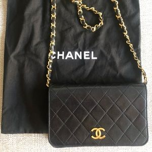 Auth Vintage Chanel Black Mini Flap Bag WOC